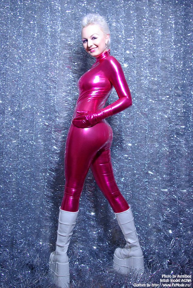 sexy_happynewyear_pink_catsuit_by_smile_and_cry.jpg (636×950)