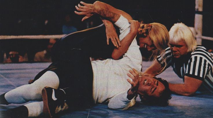 "Andy Kaufmann fighting a woman for the ""intergender world championship title"" Memphis 1981"