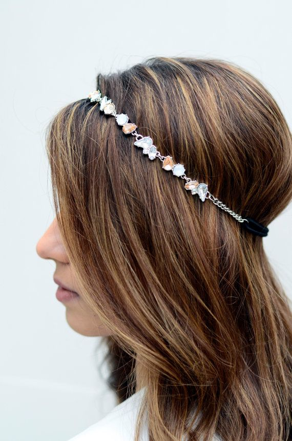 New silver crystal gem hair chain for sale! This is with crystal gems. This wonderful jewelry headpiece is made out of a nickel free alloy metal. One size will fit all, it is elastic in the back! This jewelry headpiece will make you look fabulous at any event or special occasion!