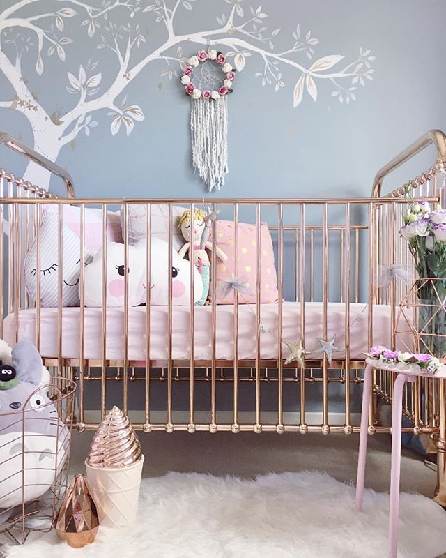 // p o t t e r // What do you do when your 5 month old is at her grandmas over an hour away? Cry a little, cherish the rest I get, ( not likely while I suffer insomnia ) and potter around her room and wonder ... What it would look like if all the rose gold was in one place? Super shiny that's what ✨ 20% off storewide with no minimum spend ends Sunday with the code AUSDAY16 xx stay tuned and stay sweet cutiepies