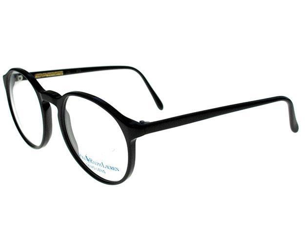 Alegeti sa fiti retro ori de cate ori puteti in acest an!  Toate revistele de stil si fashion recomanda acest lucru!Din acest motiv v-am pregatit o selectie excelenta de ochelari vintage, semnata de renumitul brand Polo Ralph Lauren - un clasic al ramelor de vedere!
