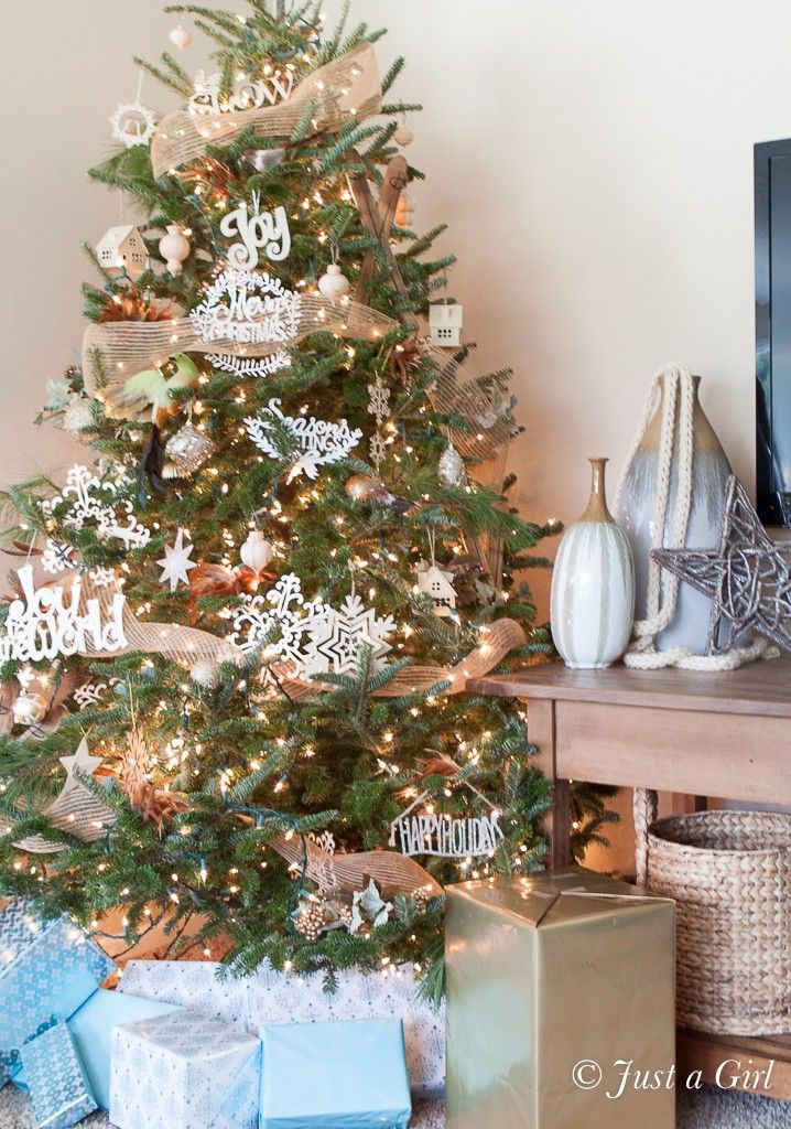 christmas house tour 6 - Christmas House Pictures