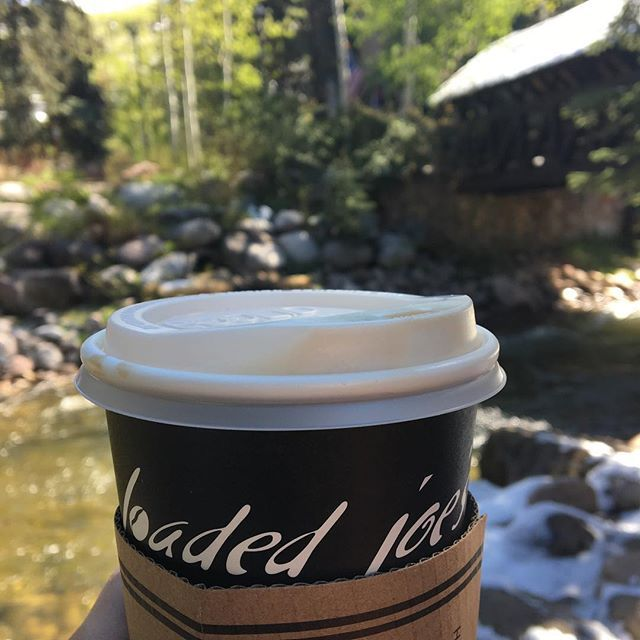 I ❤finding local coffee shops. Especially that have this view from their bench outside @loadedjoesvail. #sorrystarbucks #local #drinklocal #coffee #picoftheday #travelblogger #travelblog #vail #colorado #wanderlust #coffeewithaview #firstwecaffeinate