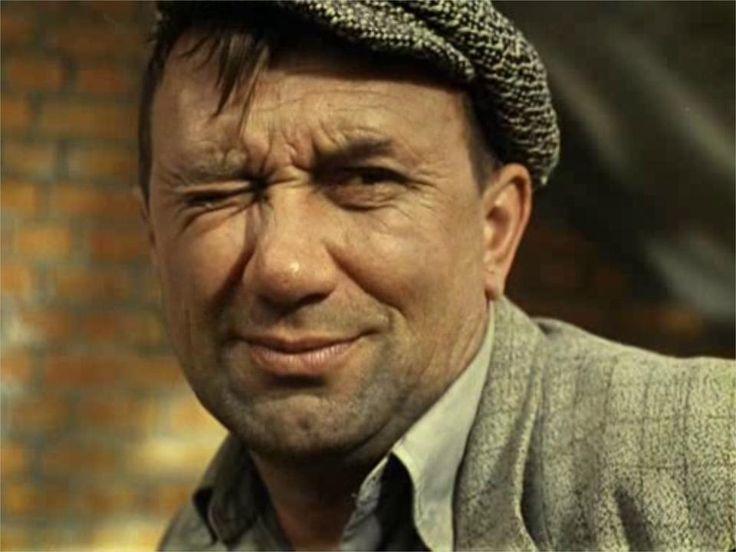 28 февраля 1920 г родился Алексей Макарович Смирнов советский актёр театра и кино. Засл артист РСФСР  Участник ВОВ