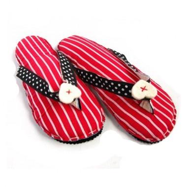 Tasarımcı: Özlem Kumru  Evde giymek için flip flop. 37/38 numara için uygundur.