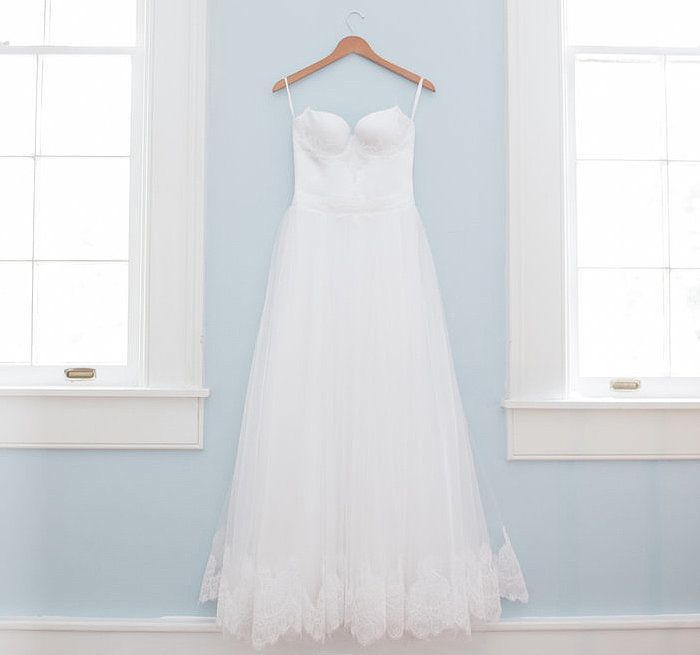 How Much Does The Average Wedding Dress Cost?