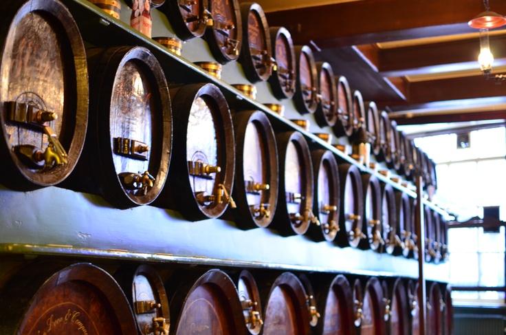 Three Little Bottles (De Drie Fleschjes), a cool bar in Amsterdam