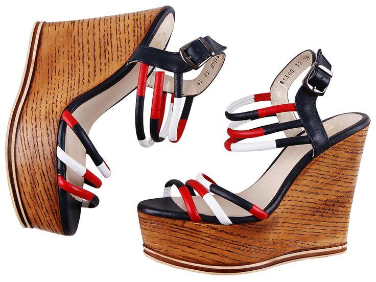 Moderne #Schuhe für #Frauen im modischen #Look.