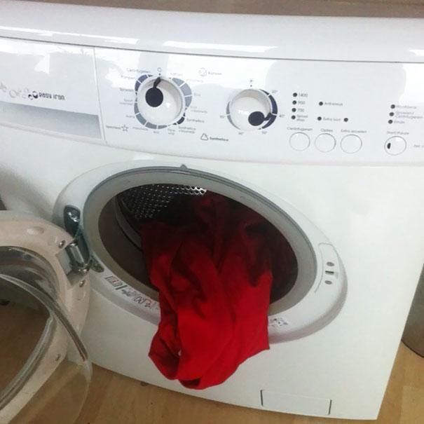 Faces in Things @Dianna Hawkins Pics 30 Nov Drunk Washing Machine