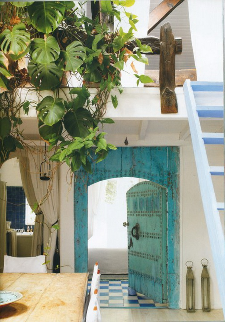 Moroccan interior style in Saint Maurice near Paris Photography Louis Lemarie .Images featured in the Spanish magazine HABITANIA barefootstyling.com