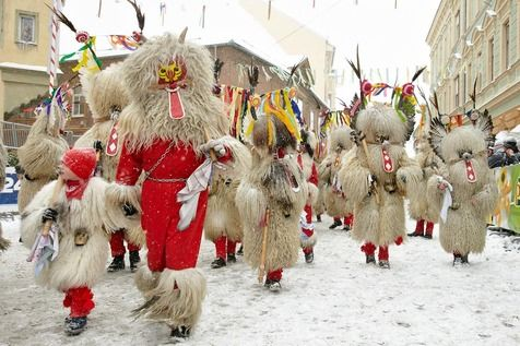 Sisters_in_Travel-Carnaval_no_mundo-Ptuj