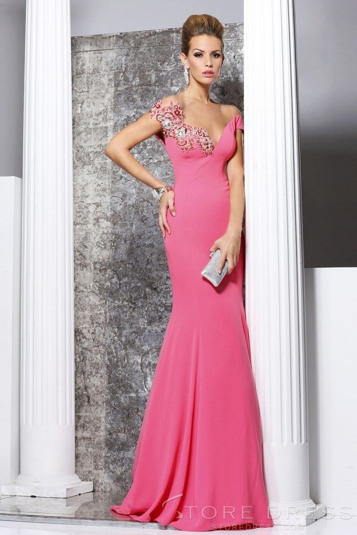 48 best Prom images on Pinterest | Party wear dresses, Evening gowns ...