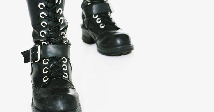 Cómo elegir botas para piernas delgadas. Puedes lucir un par de vaqueros delgados con lo mejor de lo mejor, pero cuando te pruebas esos pantalones con botas, estás perdida. Las piernas delgadas son una bendición, hasta que sales de compras en busca de botas. La mayoría de las mujeres no fueron bendecidas con pantorrillas delgadas como lápicaes, así que la mayoría de las botas no están ...