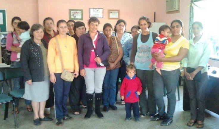 L'association Kiva fait du micro crédit solidaire. Vida Nueva Group est un groupe de femmes au Paraguay. Participez au développement local de leur activité.   En suivant ce lien vous pouvez leur prêter 25$  gratuitement. http://www.kiva.org/invitedby/fidel2004