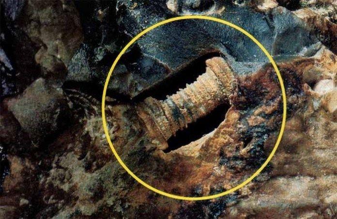 Vdávných dobách, kdy na Zemi ještě nežili ani dinosauři, na ní překvapivě existovaly nejrůznější technické vychytávky. Jak si jinak vysvětlit nález bezmála 300 miliónů let starého šroubu nebo indu…