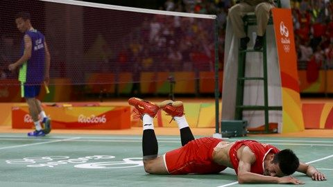 Chen Long of China wins gold in men's badminton, performs risque celebration