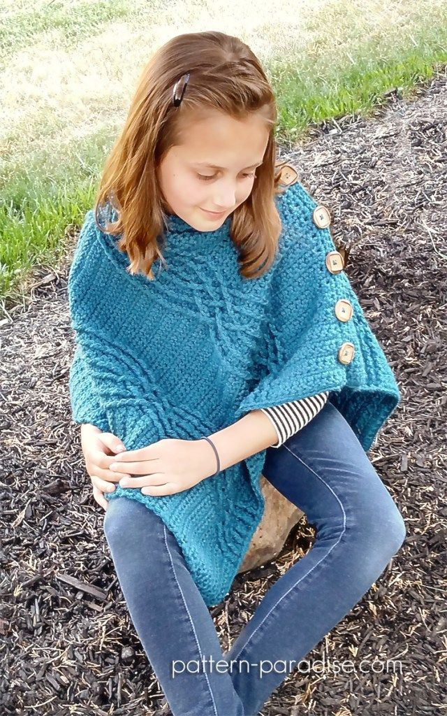 Cabled Poncho Crochet Pattern by Pattern-Paradise.com #crochet #patternparadisecrochet