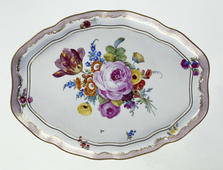 Dienblad, veelkleurig beschilderd met bloemboeketten, Meissener Porzellan Manufaktur, ca. 1800