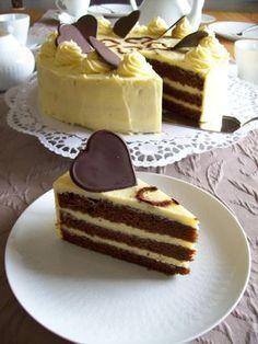 Schokoladentorte mit Eierlikör-Buttercreme                                                                                                                                                                                 Mehr