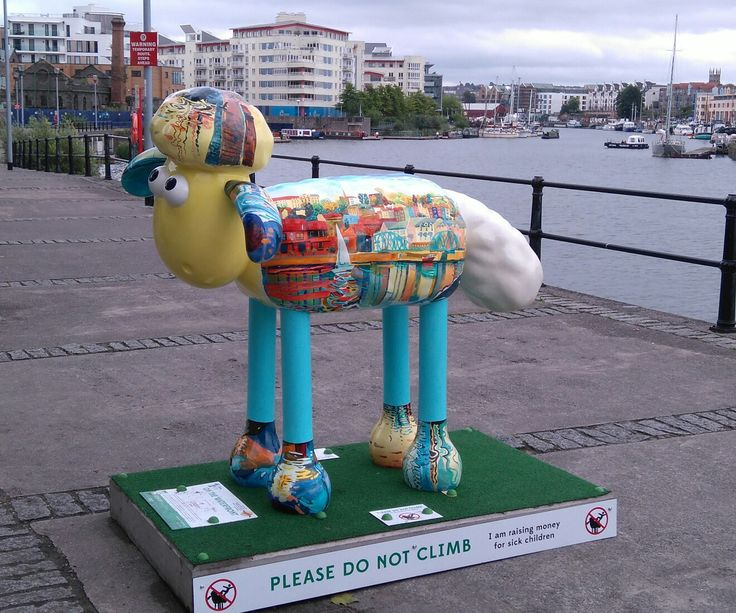Shaun the sheep over 100 all different around the city in 2015