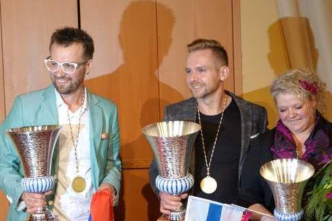 Die glücklichen Sieger des Europa-Cup 2016 der Floristen in Genua  v.l.n.r. Roman Steinhauer, Russland, Tamas Mezoffy, Ungarn, und  Pirjo Koppi aus Finnland.
