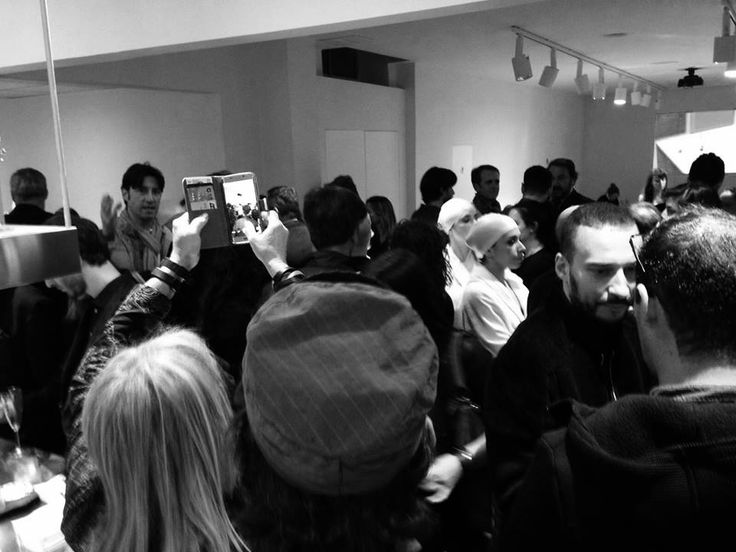 How many people @ Show Room Vergari in the heart of #Brera during the blue cocktail #party #Fuorisapone in the occasion of #Fuorisalone2016 #milandesignweek #breradesigndistrict 