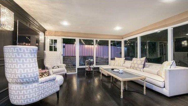 Ashley Benson's Celebrity Home On The Market  READ MORE at http://losangeleshomes.eu/celebrity-homes/ashley-bensons-celebrity-home-market/  #LosAngelesHomes #LuxuryHomes #CelebrityHome #ModernInteriorDesign #AshleyBenson #OnTheMarket #HollywoodHills @ashbenzo