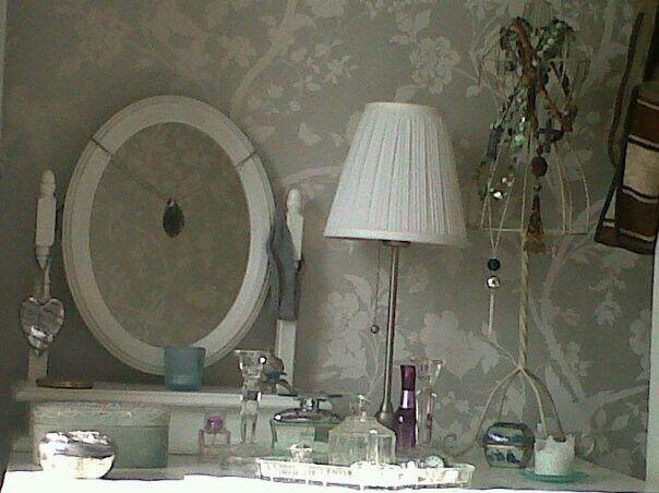 13 best ideas for the world 39 s tiniest bathroom images on for Eau de nil bedroom ideas
