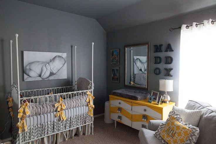 nursery in LOVE!: Color, Baby Pictures, Yellow, Baby Rooms, Chevron Dressers, Nurseries Ideas, Baby Nurseries, Baby Stuff, Gray Nurseries