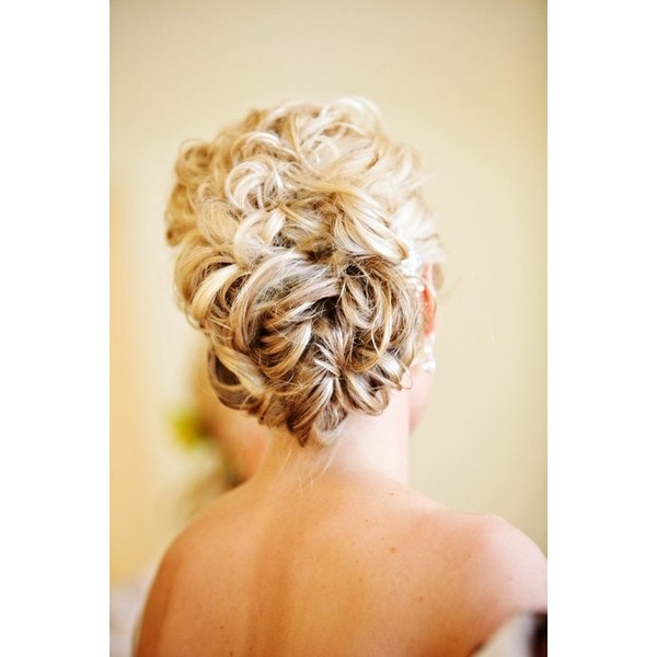 Wedding Hair / Curly Bun for naturally curly girls