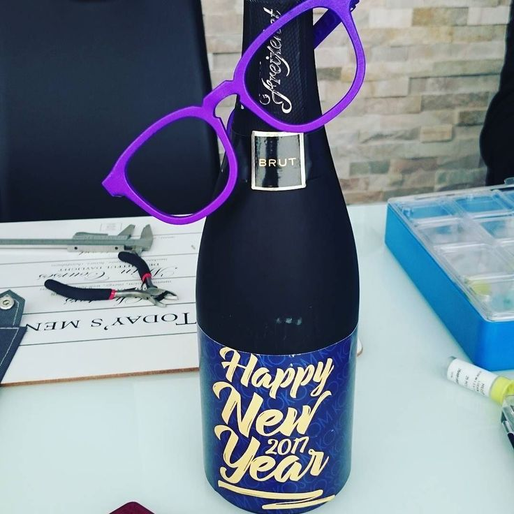 Kicking off the year with new shades and looking forward to a colorful spring! Wishing you a fantastic 2017! #newyear #2017 #kokosom #toallthingsnew