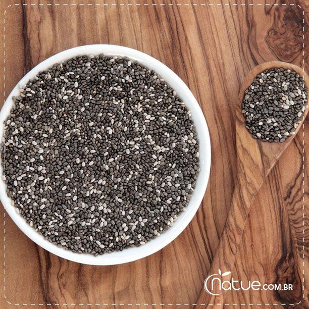 Você sabia que a chia e a linhaça podem substituir o ovo em receitas? Clique para saber como fazer essa troca e conferir seus benefícios - Blog da Natue