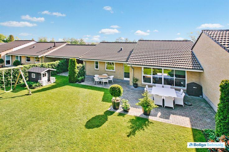 Korsbjerghave 37, 3520 Farum - 1 plans kvalitets klyngehus fra Lind & Risør med bedste beliggenhed