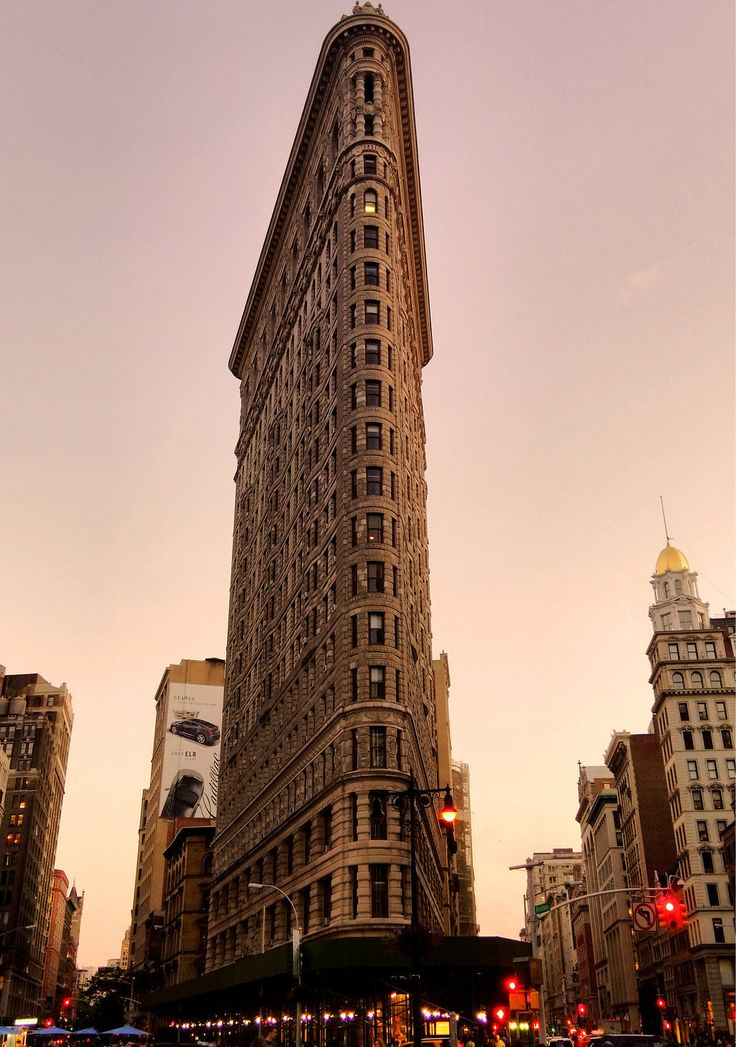 13 nyc landmarks in the day and at night via buzzfeed