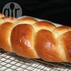 Foto da receita: Challah trançado e preparado na máquina de pão