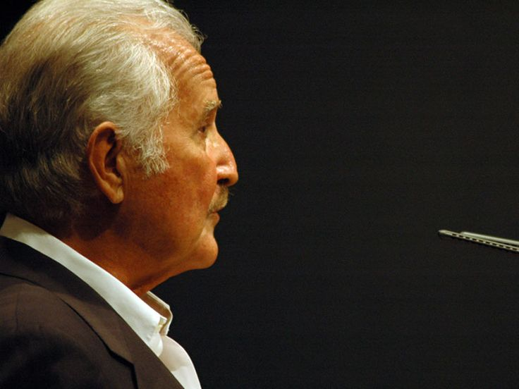 O escritor mexicano Carlos Fuentes recebe uma homenagem do Instituto Cervantes, em parceria com o Consulado General de México em São Paulo e o Fundo de Cultura Económica, nesta quinta-feira, 14, a partir das 19h30. A entrada é Catraca Livre.