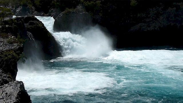 Los Saltos de Petrohue, 15 miles from Bordemundo #petrohue #saltosdepetrohue #bordemundo #bedandbreakfast #puertovaras #chile #patagonia