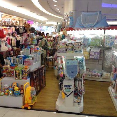 amazing cheap born size  baby clothes and kids clothing sale so cheap at platinum mall Bangkok...