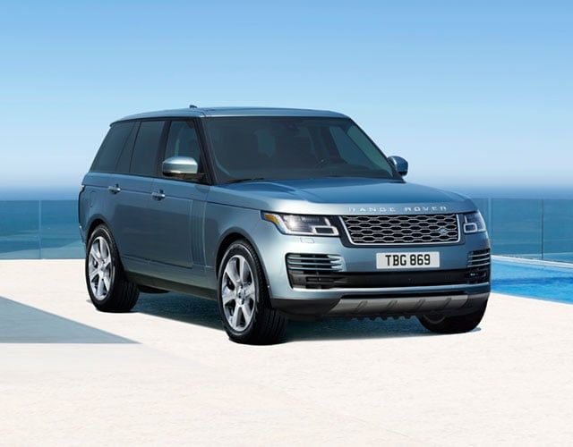 The 2020 Range Rover P525 Hse Comes With A Supercharged V8 Engine Flexible Seating Options And State Of The Art Sound Range Rover Range Rover Sport Land Rover