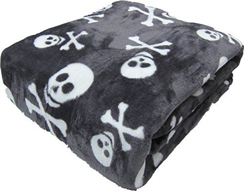 All Seasons Micro Fleece Cross Bones Skull Plush Throw