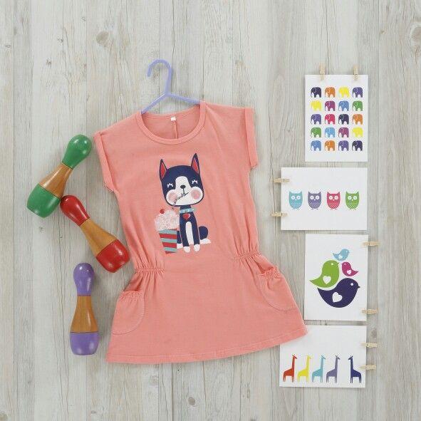 Nos encantan los vestidos tiernos y llenos de color para las chiquis. ♥♥♥♥