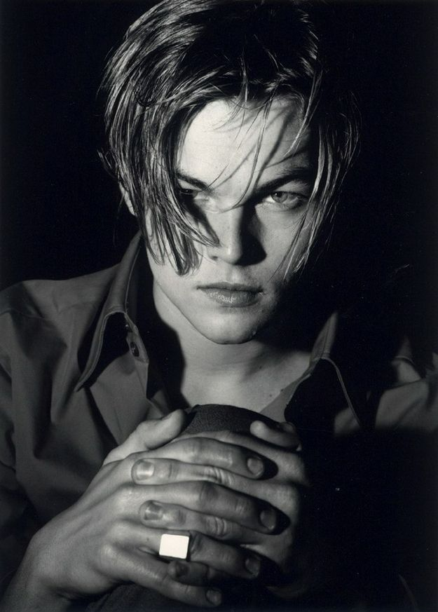 Perpetually perfectly inbetween long/rock-star and shaggy/mussed. | A Tribute To Leonardo DiCaprio's Hair In The '90s