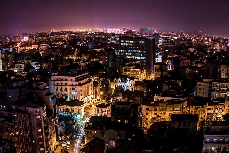 Bucharest by night. All credits to facebook.com/BucurestiOptimist.