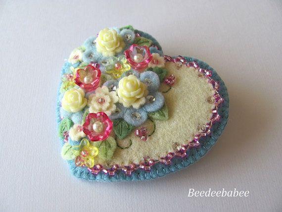Felt Heart Brooch / Felt Heart Pin ♡ by Beedeebabee on Etsy