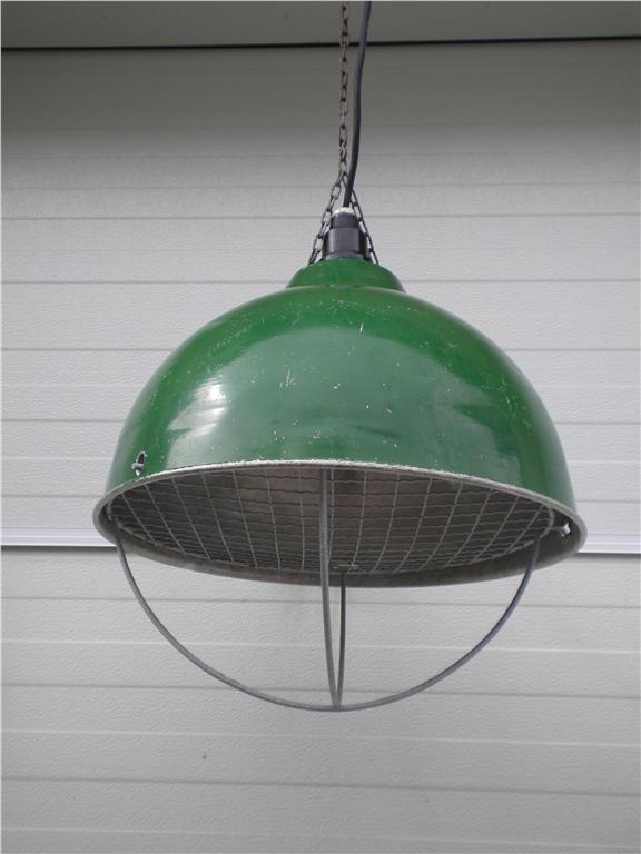 Industrilampa/grislampa