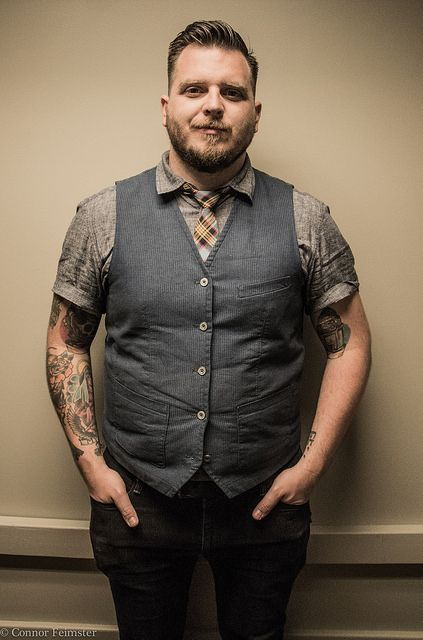 teddybore: themythoffingerprints: Dustin Kensrue | photo by Connor Feimster Such a babe. And I miss Thrice: