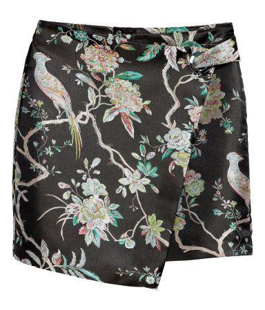 Wrap Skirt with Metal Grommet | Black floral | Women | H&M US