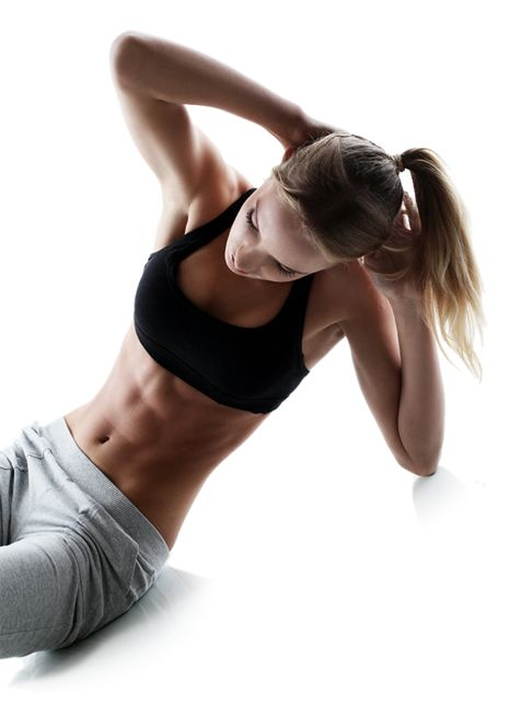今Facebookの動画で話題を呼んでいる「1日10分で必ず腹筋が割れる」というトレーニング。ちょっとキツめだけどかなり効果的な腹筋運動が組み合わされています。そこで各トレーニングメニューとさらに効果的な筋トレ生活のコツをご紹介します!
