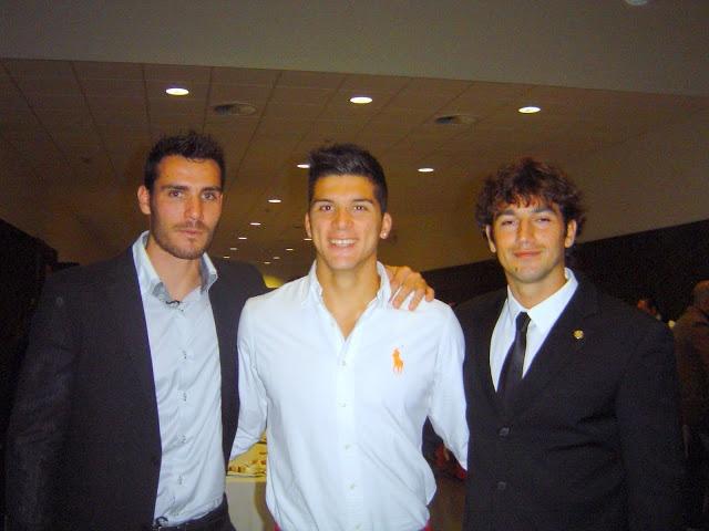 Rodeado de compañeros Campeones Olímpicos Saúl Craviotto y Pérez Rial