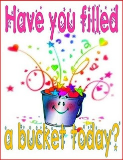 Free Bucket Filling Posters :)Teaching, Schools, Bucketfillers, Buckets Filling, Bucket Fillers, Classroom Inspiration, Classroom Management, Buckets Fillers, Classroom Ideas